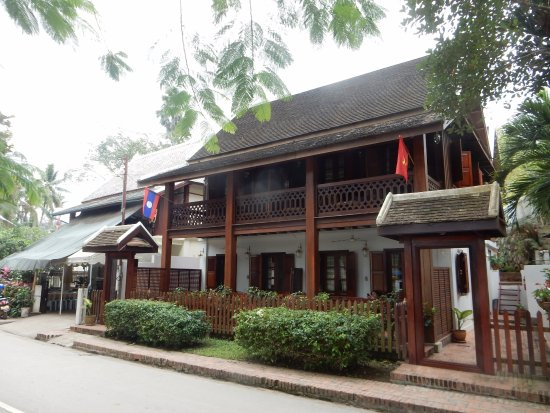 Mekong Riverview Hotel : Our building, four rooms with ours upstairs.