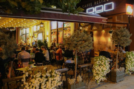 EGO restaurant: Outdoors dining