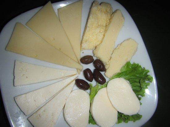 EGO restaurant: Cheese plate as a starter