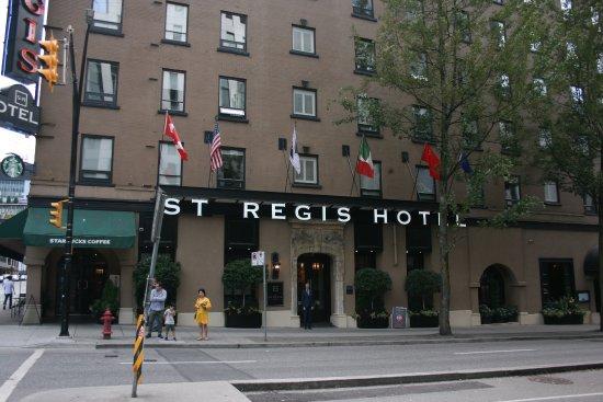 St. Regis Hotel: Outside entrance