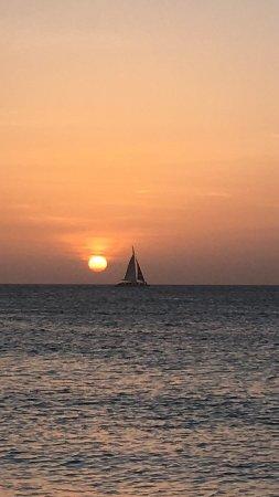 ديفاي أروبا فينيكس بيتش ريزورت: Beautiful Sunset