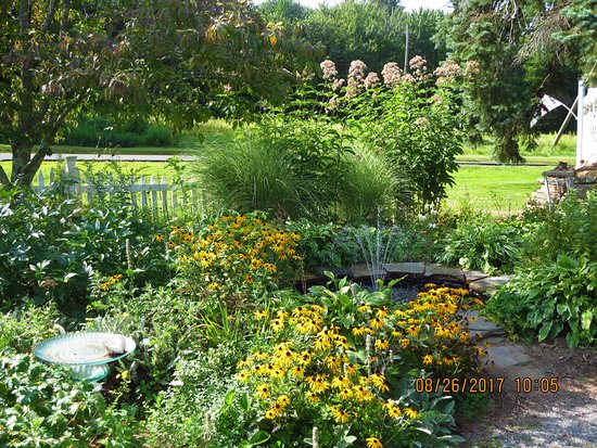 Tolland, CT: Another view of the garden