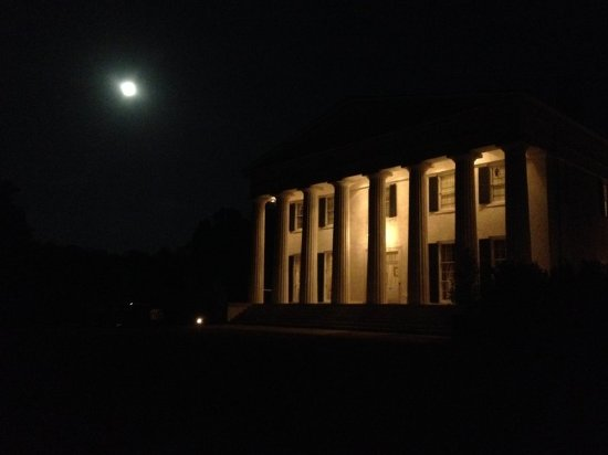 South Boston, VA: Night View at Berry Hill Resort & Conference