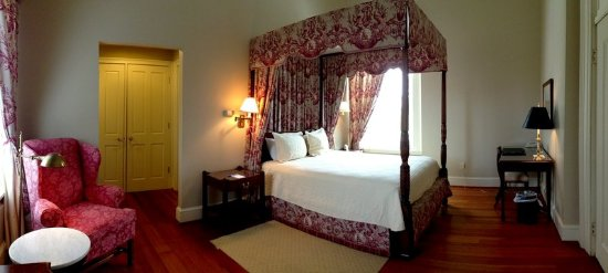 South Boston, VA: Mansionette Guestroom