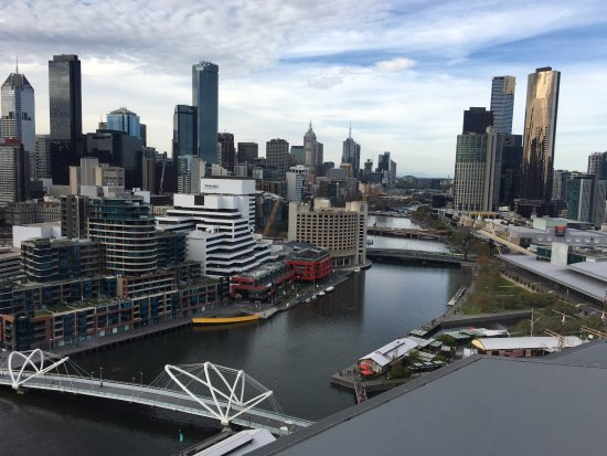 Pan Pacific Melbourne: City view