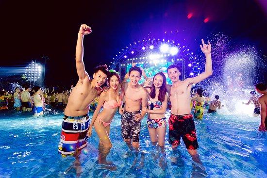 Parque Acuático Chimelong: 夜間表演