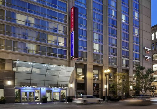 SpringHill Suites Chicago Downtown/River North: Entrance
