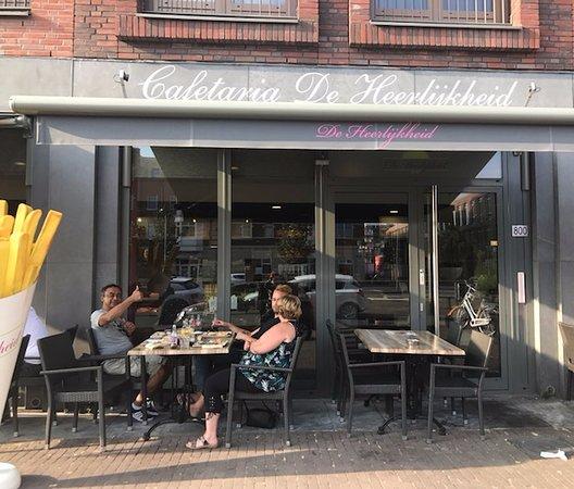 het terras van de cafetaria de heerlijkheid