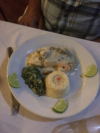 Toscana : Sea Bass of the Day in cream sauce with rice and accompaniments
