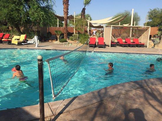 Embarc Palm Desert: Water volleyball