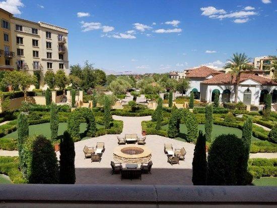 Lake Las Vegas Resort: The courtyard view. The restaurant is directly below us.