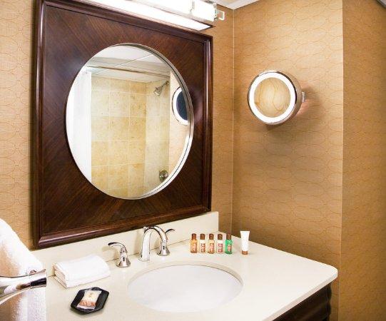 Frazer, Пенсильвания: Guest Bathroom