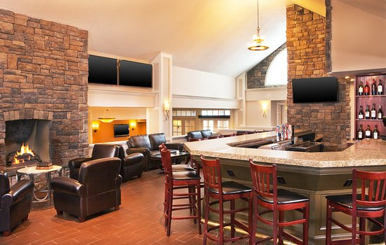Frazer, PA: Chesterfields Lounge