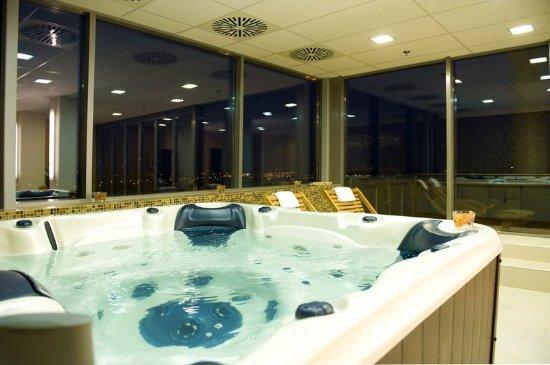 Expo Congress Hotel: Pool