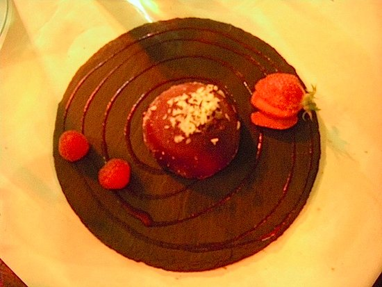 Castelnau-de-Medoc, France: Chocolate dessert