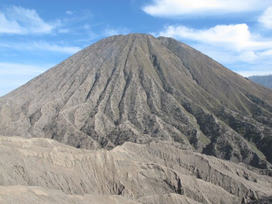 Mount Bromo: Close view of Mount Batok