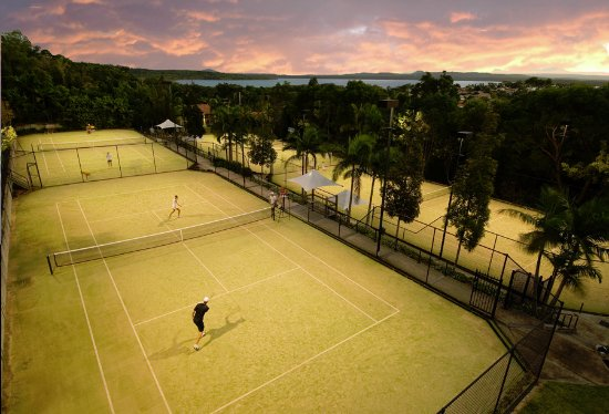 Noosa Springs Golf & Spa Resort: Noosa Springs Tennis Courts