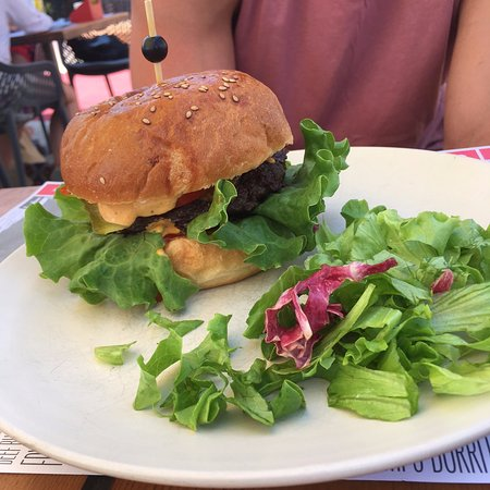 Terminal F: Burger