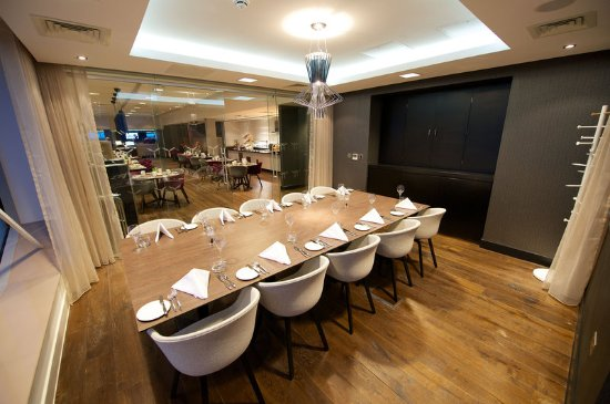 Holiday Inn Southend: The boardroom located on the 5th floor overlooks Southend Airport
