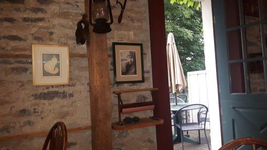 Inn-Lake on the Mountain Restaurant Picture