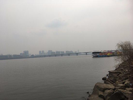 Le parc de Hangang : 漢江旁的公園