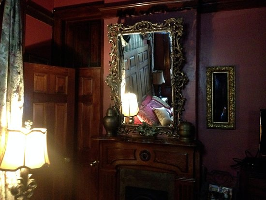 The Bedroom And Its Mysterious Mirrors Picture Of Royal