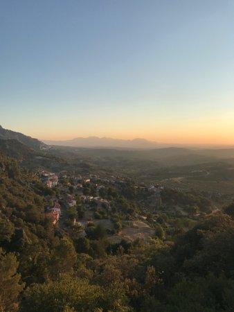 Casa Rural La Calerilla: Atardecer desde la terraza/restaurante