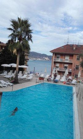 Hotel Moresco : Blick vom Zimmer auf Pool