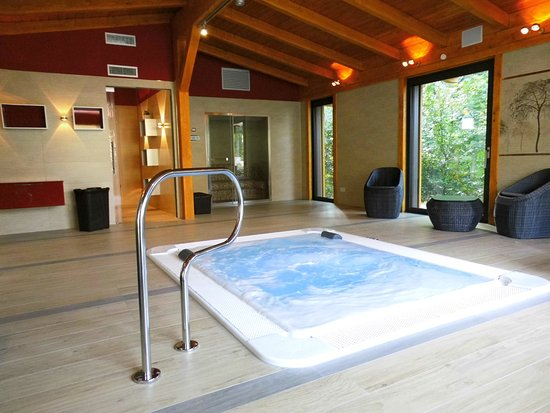 poolhaus hotel zum leineweber mit whirlpool und dampfsauna pool house pictures