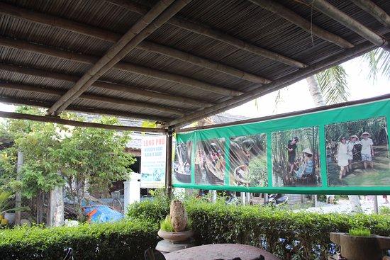 Khu nghỉ dưỡng Hoi An Silk Village: 리조트 리셉션에서 예약한 코코넛 보트 데이투어.