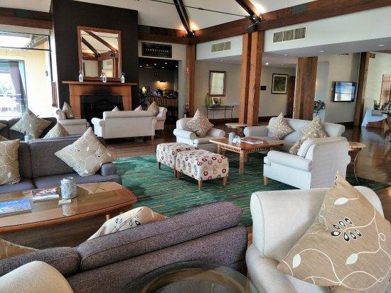 Oaks Cypress Lakes Resort: Reception Area