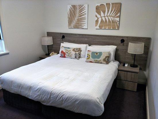 Oaks Cypress Lakes Resort: Unit - Bedroom view