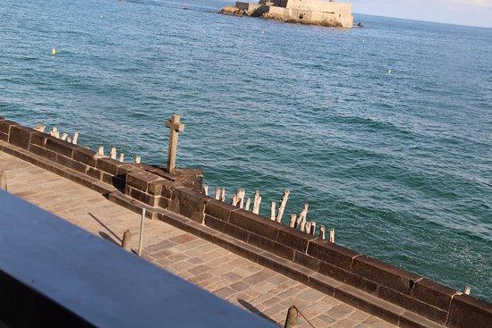 Hotel Oceania Saint Malo : La vue depuis le balcon.