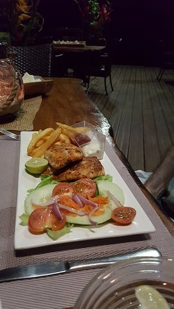 Lope Lope Lodge: Fish and chips were absolutely delicious
