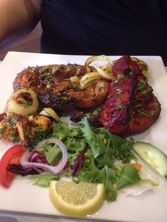 Restaurants naz 39 s indian restaurant in malvern hills with for 7 hill cuisine of india sarasota