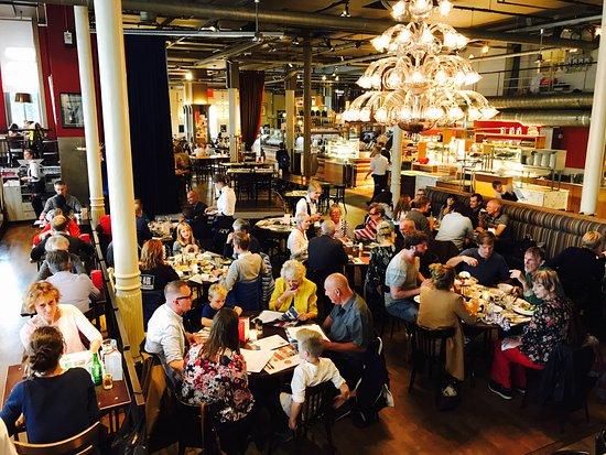 Hotel New York: Het restaurant van HNY met zijn warme uitstraling