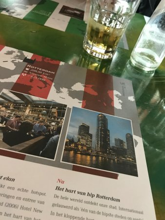 Hotel New York: Sfeerfoto van ons tafeltje