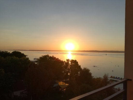 Panorama Hotel: Sunset from the balcony