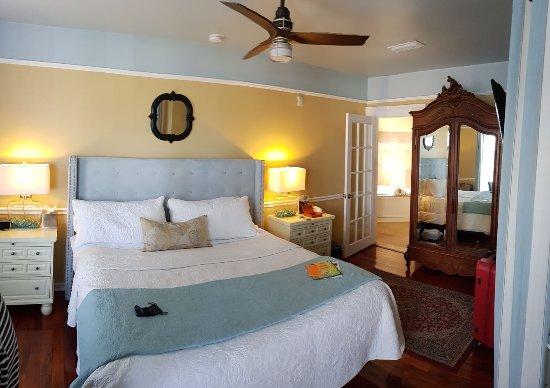Bayfront Marin House Historic Inn: IMG-20170829-WA0003_large.jpg