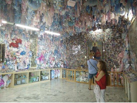 La sala dei fiocchi - Foto di Santuario San Gerardo, Materdomini -  Tripadvisor