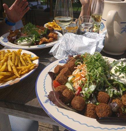 Fischer's Fritz: Falafel salad