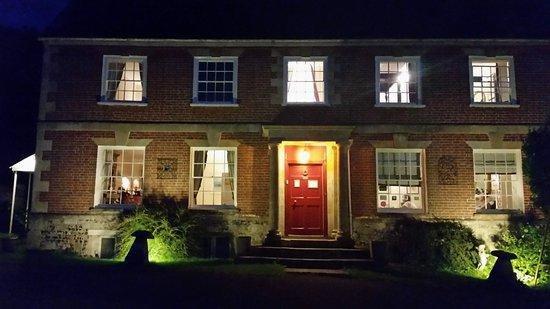 Shrewton, UK: Rollestone Manor in the evening
