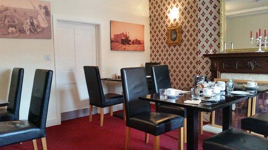 Shrewton, UK: The restaurant 1
