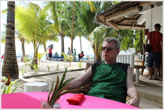 Malapascua Exotic Bar & Restaurant: waiting for our lunch