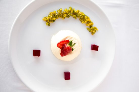 Cafe 1999: Vanilla Panna Cotta, Rose Jelly and Pistachio crumble