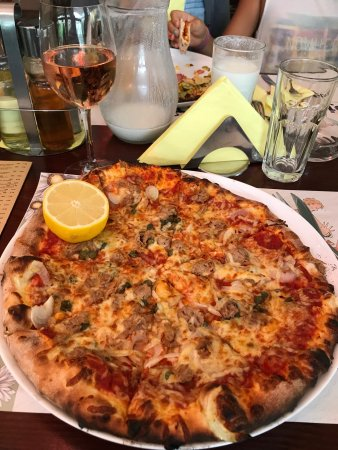 UnoPiu Pizza & Restaurant: Delicious , you must try.