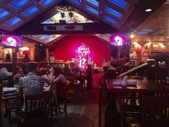 House of Blues Chicago: Dinner and entertainment downstairs.