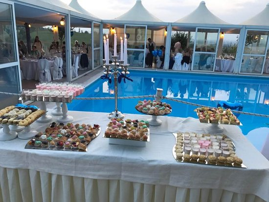 Gabiano, Italia: immagine buffet dolci matrimonio