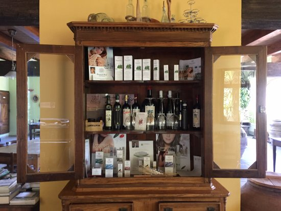 Province of Grosseto, Ιταλία: Homemade products and creams made from their produce.