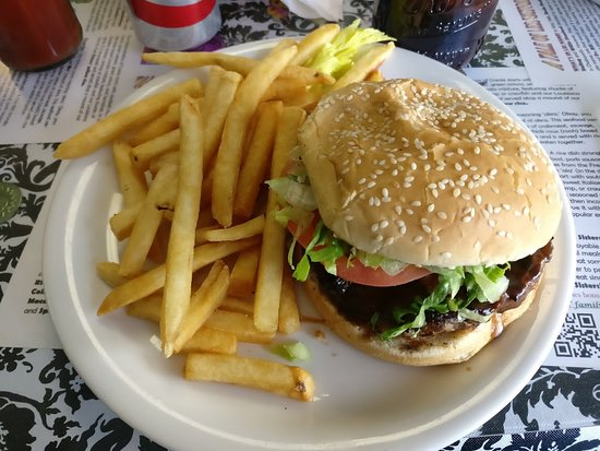 Kitchen Sink burger - Picture of Les Sisters Southern Kitchen, Los ...